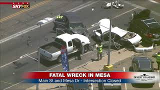 DEADLY WRECK: Accident in Mesa, AZ closes intersection, impacts light rail (FNN)