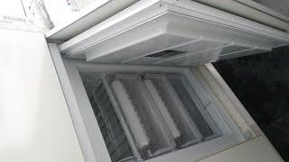 Шкаф на балкон, со встроенной морозильной камерой. Фасады белый глянец с алюминиевым профилем
