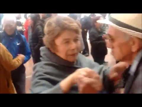 Baile en el Palacio Municipal de Monterrey. El Mochilón.