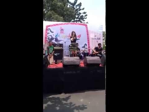 Audrey - Semua Tentang Kamu (Live Promo Accoustic De' Syukron 4 HUT Jawa Barat, Gasibu Bandung)
