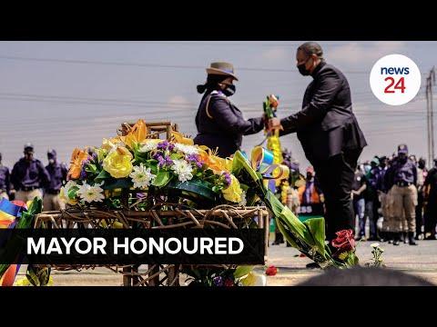 WATCH   Late Joburg mayor Jolidee Matongo honoured with a wreath-laying ceremony at crash site