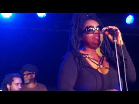 Soul II Soul.  With Caron Wheeler.