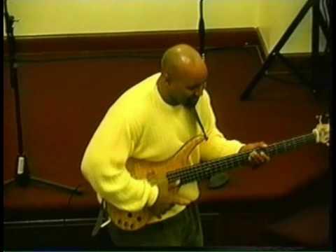 HARK!THE HEARLD ANGELS SINGKirk Williams Bass Solo
