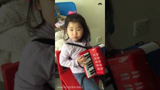 Three Year Old Student's Scale Practicing - 香港手風琴音樂學院 Hong Kong Accordion School of Music (Asia)