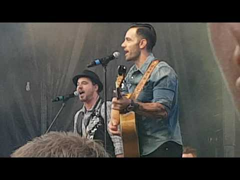 Ramin Karimloo performs Do You Hear the people sing West End live 2016 (full)