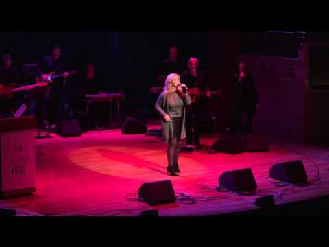 "Trisha Yearwood Sings ""Fancy"" in Honor of Reba // Leadership Music's Dale Franklin Awards"
