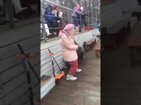 Old women dance - sweet dream live