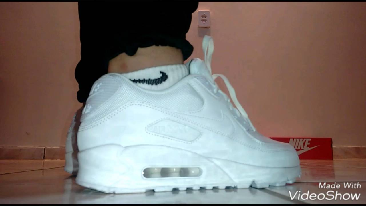 7b771b333e9 Nike Air Max 90 Essential - branco - YouTube