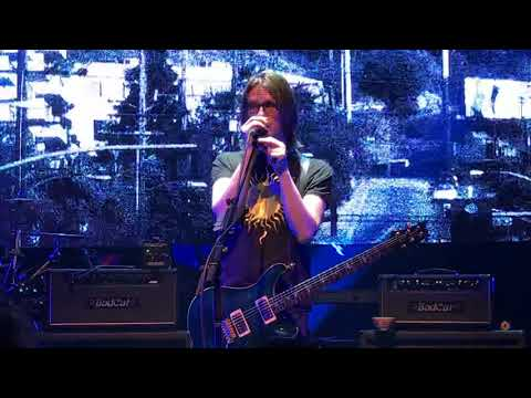 Steven Wilson live 5-6-18 Arriving Somewhere but Not Here