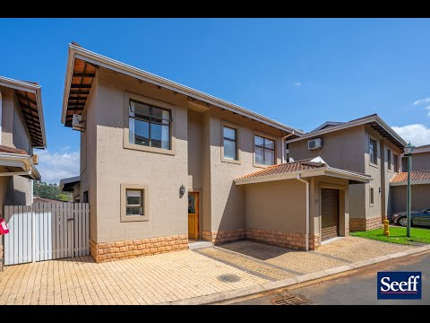 R2,350,000-29 San Marina, Seaward Estates-Immaculately presented modern home with excellent finishes