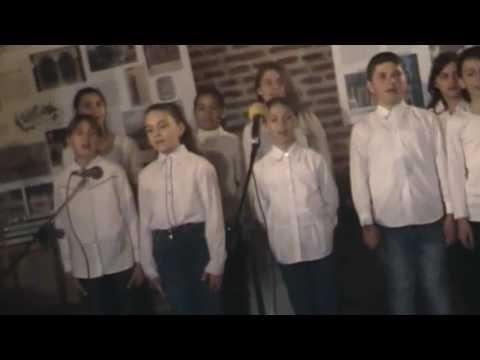 Corul de copii al Şcolii Gimnaziale Pitaru şi colegii lor de la Potlogi