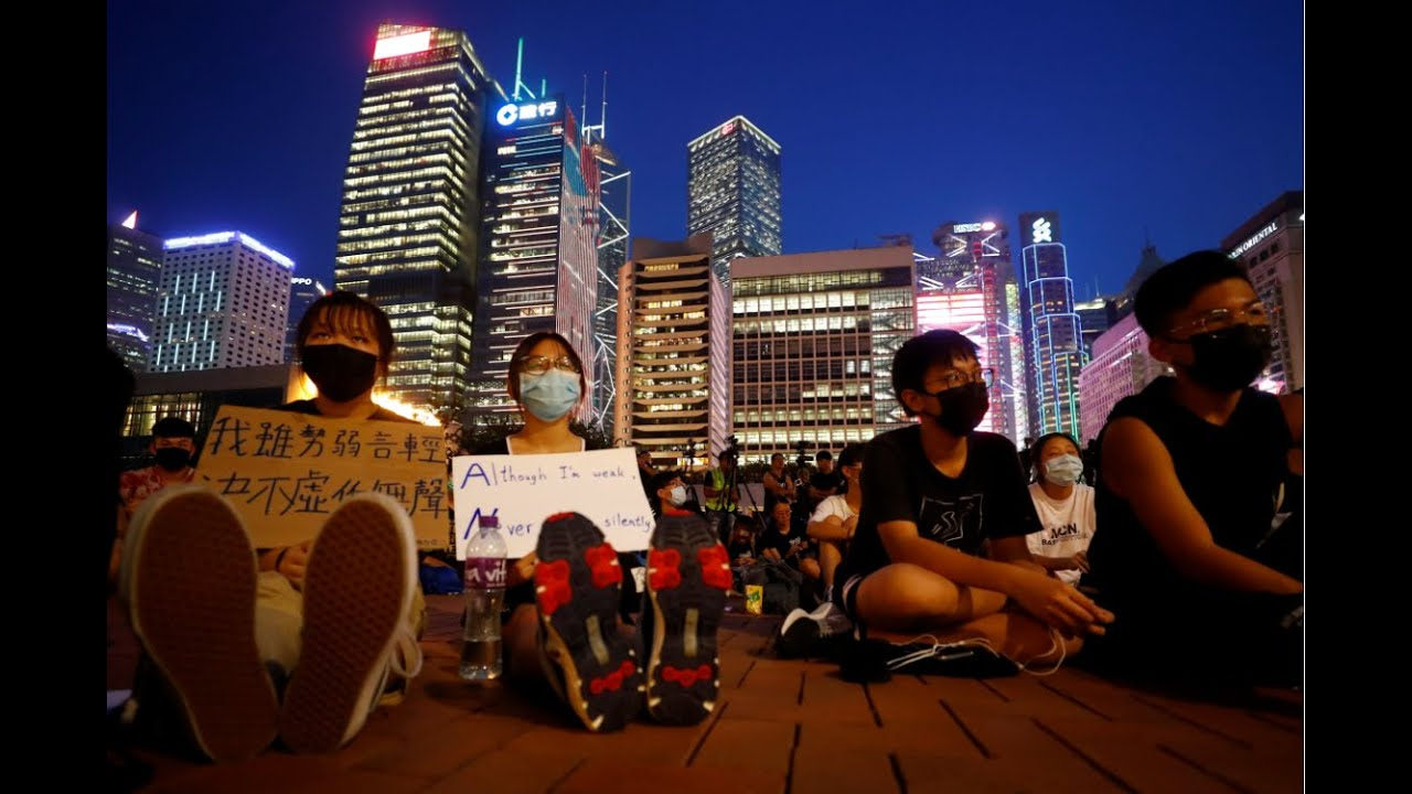 Euronews:Live | Protesters in Hong Kong form three human chains