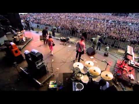 "PJ Harvey : ""Hurricane Fest"" Germany 26/06/2004 [AR corrected]"