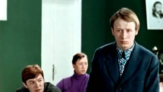 Ляпишев ГенаВ ПроскуринХодишь,ходишь в школу  Большая перемена 1972 г  фрагмен