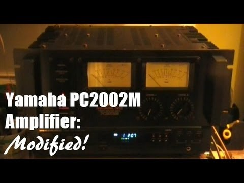 yamaha pc2002m professional series amplifier with light