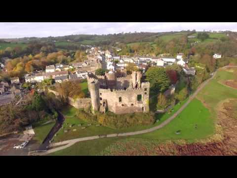 A Welsh Walk with the Gresty's Laugharne Dylan Thomas Walk.