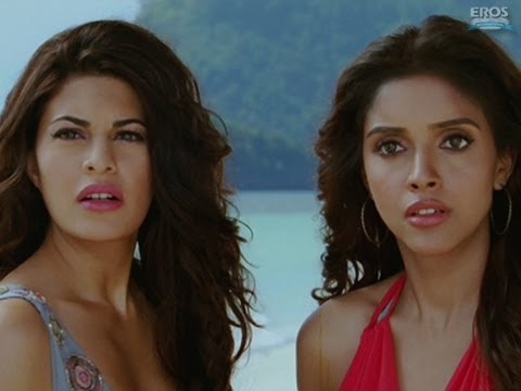 Asin and Jacqueline gets fooled  Housefull 2
