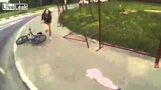 girl-loses-her-skirt