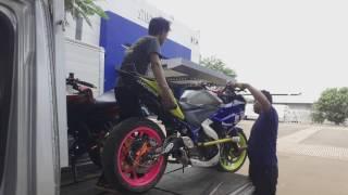 Yamaha R25 Kebalik Saat turun dari mobil | @dennystunt Show at STUDIO 5 INDOSIAR
