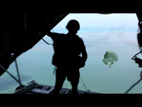 450th Civil Affairs Battalion Airborne Water Jump.MOV