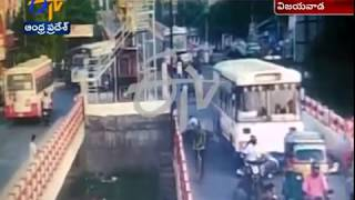 cctv footage   3 dead after a brake failed rtc bus rams public   at vijayawada