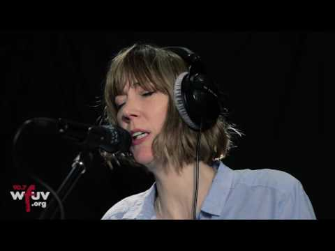 """Beth Orton - """"Wave"""" Live at WFUV"""