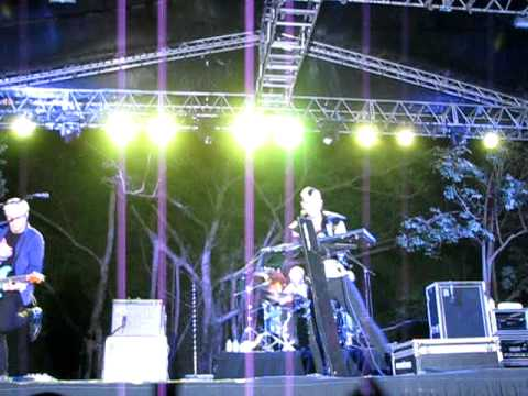 Neon Trees @ Singapore's Fort Canning Park 27 July 2011- Calling My Name