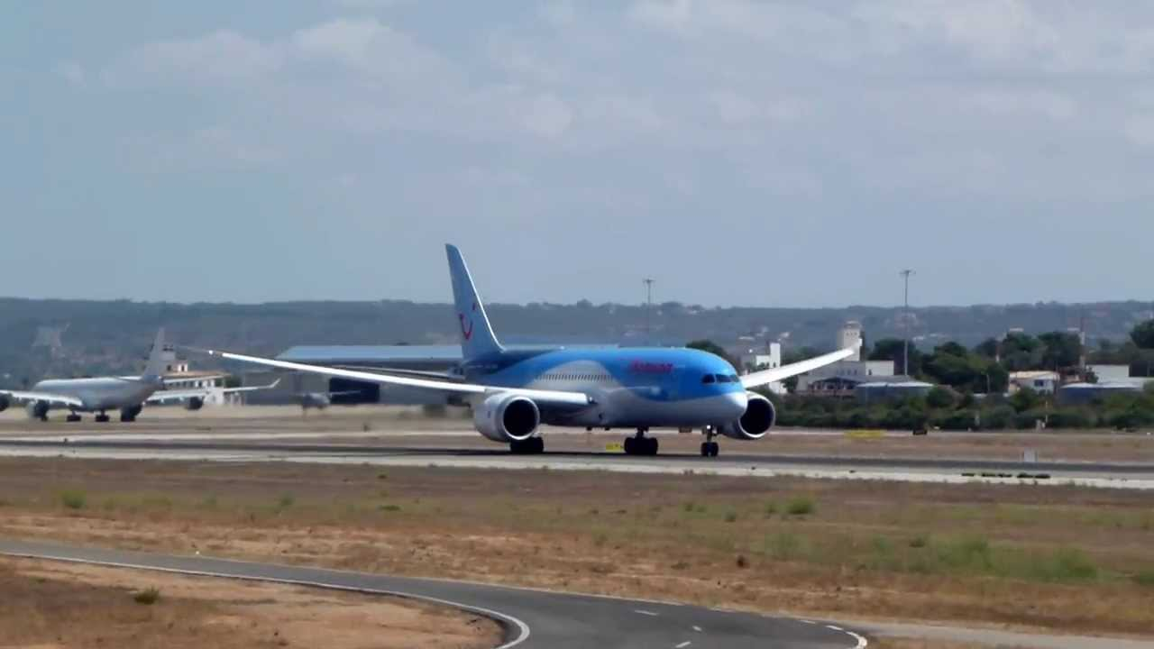 Airport Palma de Mallorca B-787 take off - YouTube
