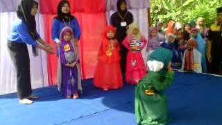 Lomba Fashion show Busana Muslim anak TK - Cinta Dapat Dusun Kantil Padang Brahrang Sumut
