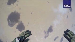 Десантирование в пустыне: кадры высадки военных в Египте