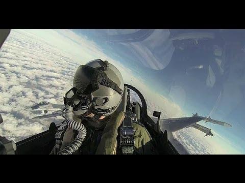 """F-16 """"Fighting Falcon"""