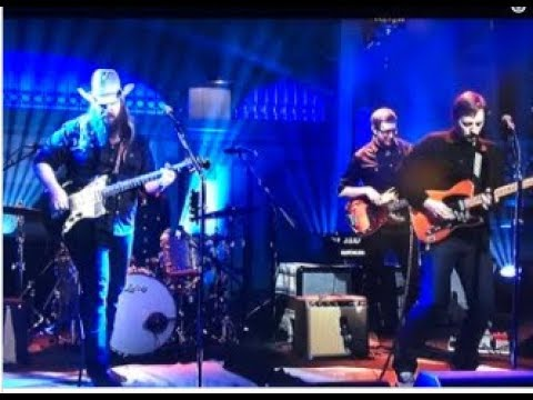 Chris Stapleton Delivers Blistering Performance Of 'Midnight Train To Memphis'