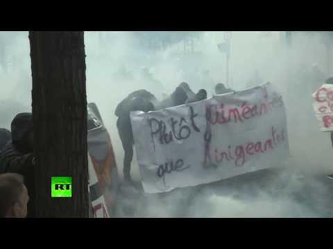 Clashes break out at rally against proposed labor law reform in Paris