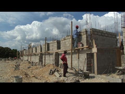 Haiti 39 s new hospital youtube for Canape vert hospital haiti