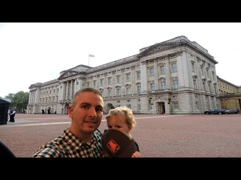Picture Yourself in Front of Any Landmark With Remove.BG and Google Slides
