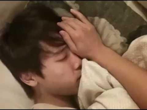 Super Junior- WAKING UP DONGHAE! [Twitvid]