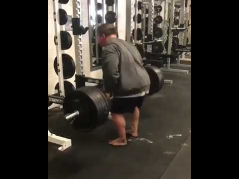 520lbs Back Rows by Jordan Peters ! Unplugged