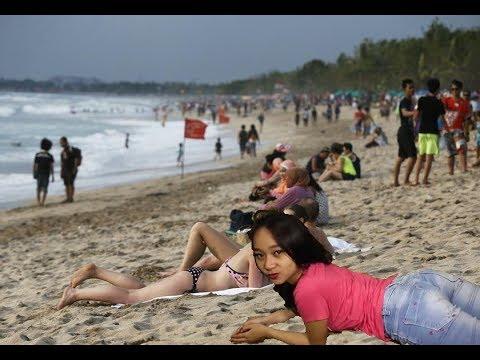 Bali VLOG - KETEMU SAMA RIA YANG DI VIDEO RIA FROM BALI DI PANTAI.EXE ~