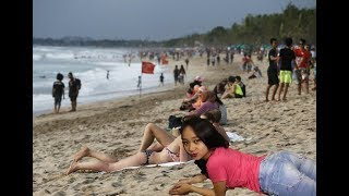 Download Video Bali VLOG - KETEMU SAMA RIA YANG DI VIDEO RIA FROM BALI DI PANTAI.EXE ~ MP3 3GP MP4