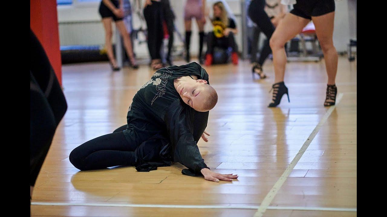 Dance in heels - Lidija Iveković