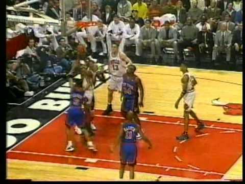Michael Jordan 44 pts, playoffs 1996 bulls vs knicks game 1