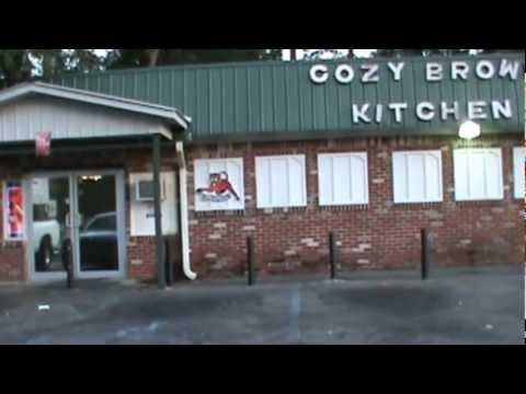 Stopping 2 eat @ Cozy Browns Kitchen n Mobile, Alabama.wmv - YouTube