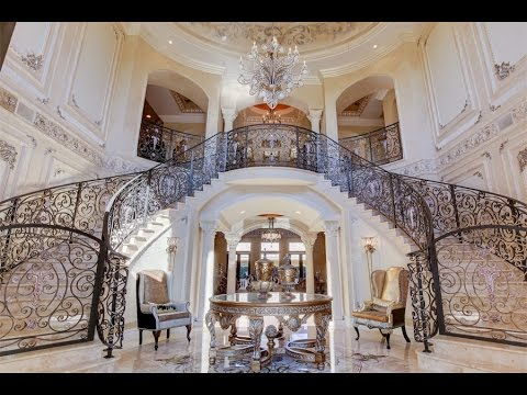Grand Exclusive Estate in Hollywood, Florida