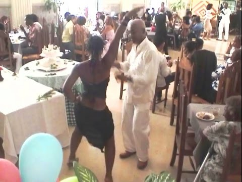 Super Elegant Casino Dancing in Havana -  Leonardo Martinez Wedding