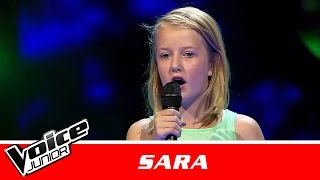 "Sara   ""Fireflies"" af Owl City   Blind 3   Voice Junior Danmark 2016"