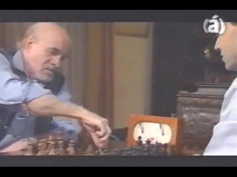 Ajedrez & Famosos - Abelardo Castillo (2004)