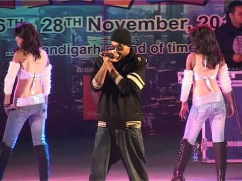 BOHEMIA LIVE AT CHANDIGARH IN ATTITUDE WITH DEHEK