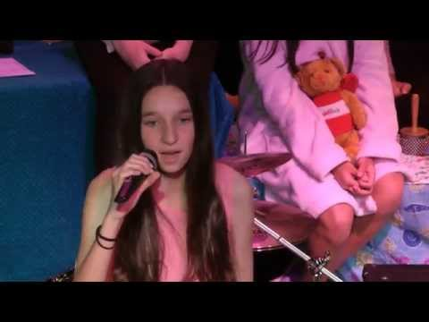 Unicorns and Rainstorms _ Flashlight - Hailee Steinfield cover