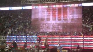 Kid Rock - Born Free - Detroit Lions Halftime Show Thanksgiving Day 2010