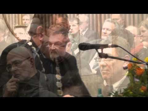Hans im Glueck - ein Theaterstueck für zukünftige Handwerker - from YouTube · Duration:  3 minutes 57 seconds